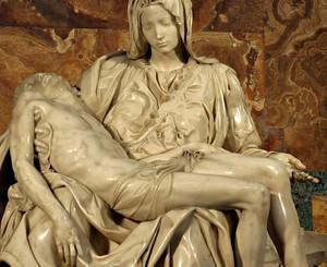 Michelangelo_pieta_1499_detail